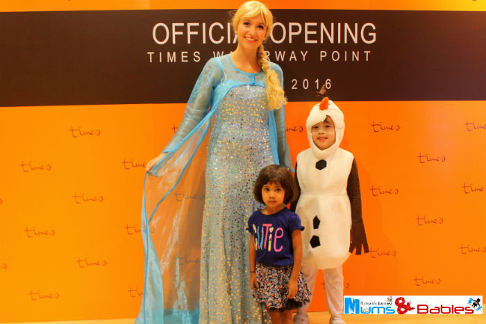 Frozen Elsa Official opening Times store